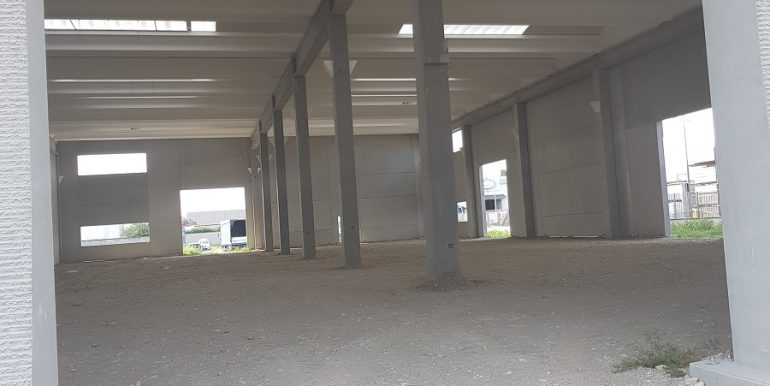 Vittuone capannone industriale (1)