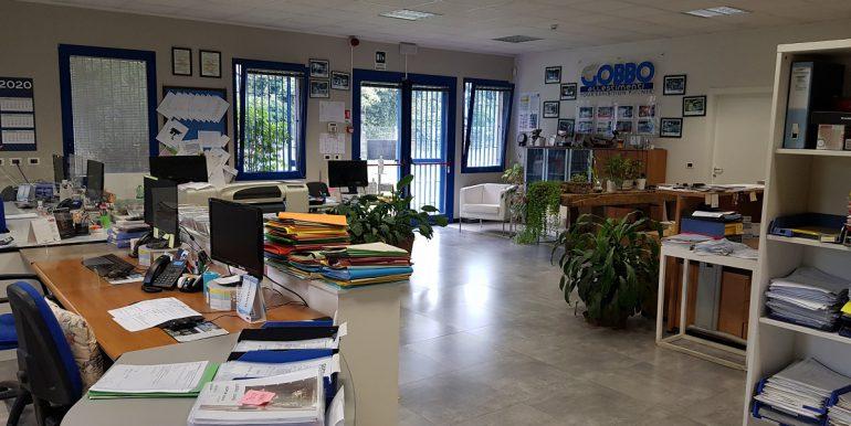 foto uffici capannone legnano