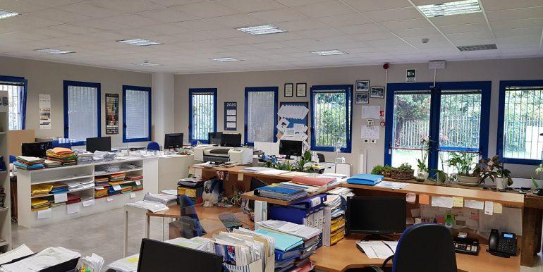 foto uffici capannone legnano1