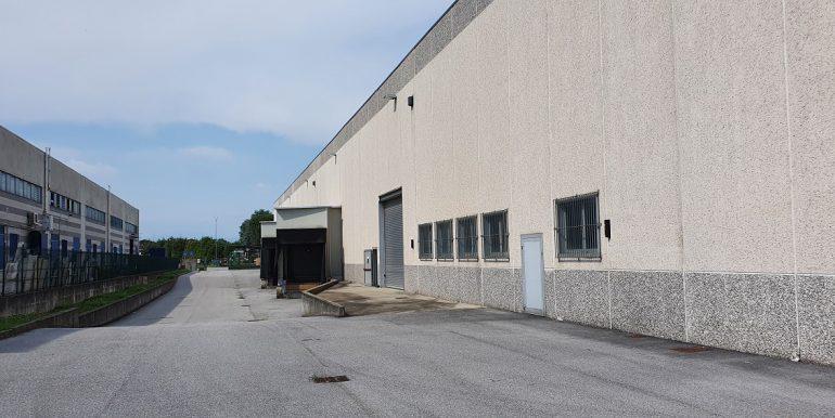 rovellasca capannone industriale logistico (17)