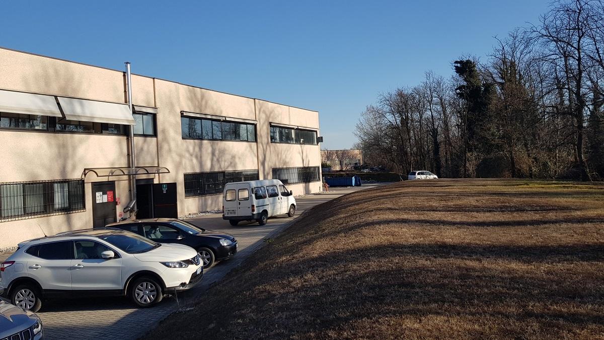 Mercallo (VA) – Porzione capannone – laboratorio ( affitto/ vende )