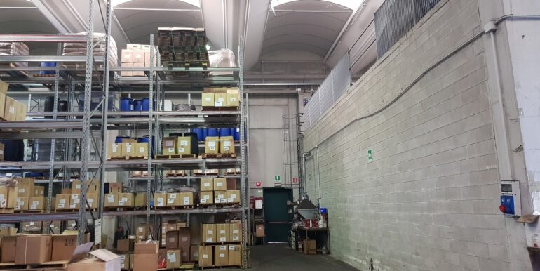 capannone industriale somma lombardo (5)