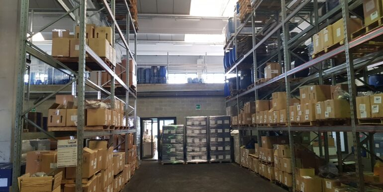 capannone industriale somma lombardo (7)
