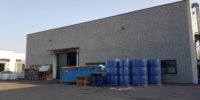 capannone industriale somma lombardo (8)